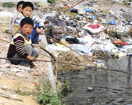 Agua y alimentos contaminados