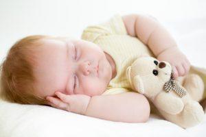 Cómo calmar al bebé sin dañar su audición